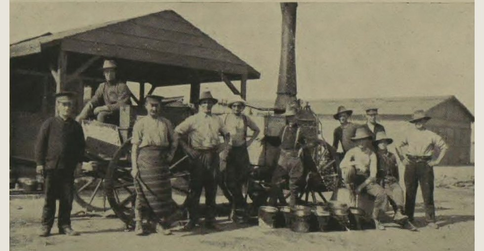 Gallipoli soldiers recuperating in Egypt: One of the field-kitchen cookers with its staff, in camp