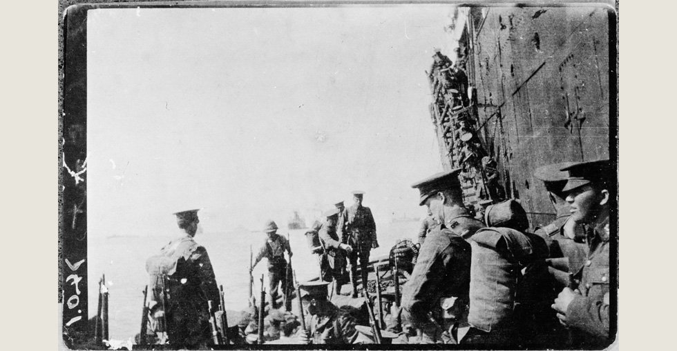 Unidentified soldiers embarking off the 'Lutzow' [Zutzow] at Gallipoli