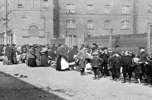 Rag fair in Dublin tenements. (Dublin City Public Libraries)